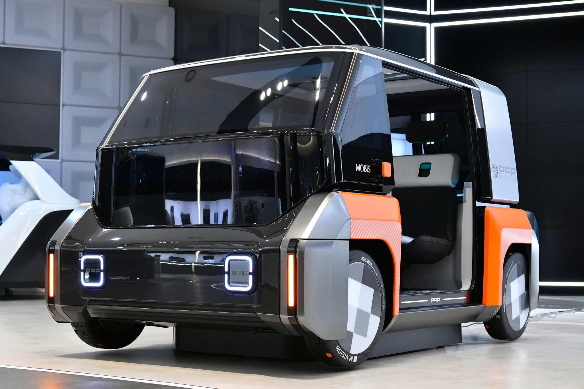 Hyundai Mobis, announced the urban shared future mobility concept, M.Vision X and M.Vision POP!