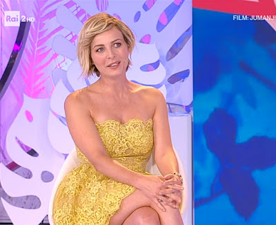 violante Placido detto fatto 20 settembre vestito giallo