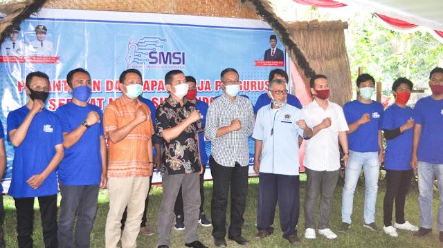 Pengurus SMSI Lotim resmi dilantik, HM Syukur : Segera bergerak!