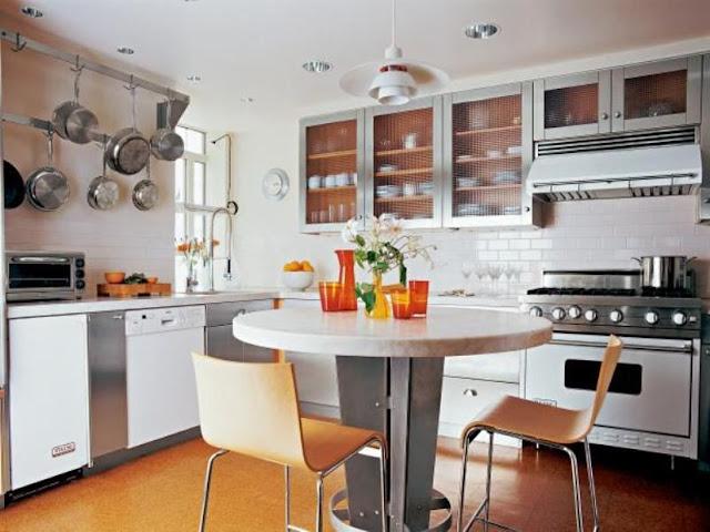 الأثاث و المكان المخصص له أثاث في المطبخ