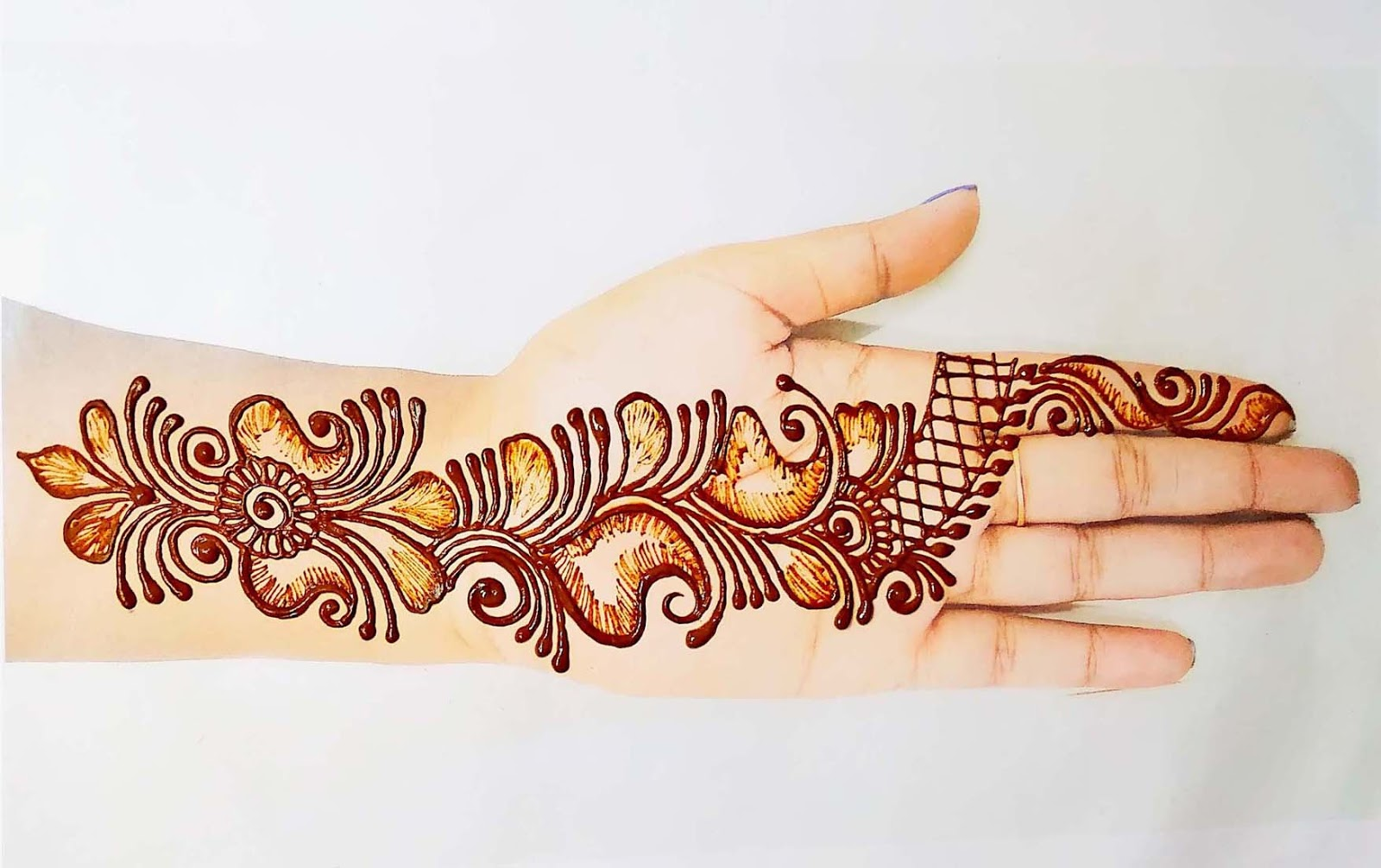 simple henna designs front hand