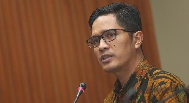 KPK Tahan 2 Tersangka Suap Proyek Saluran Air Hujan Yogyakarta