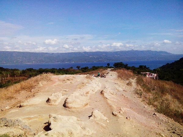 Quick Guide: Trekking Taal Volcano Island, Batangas