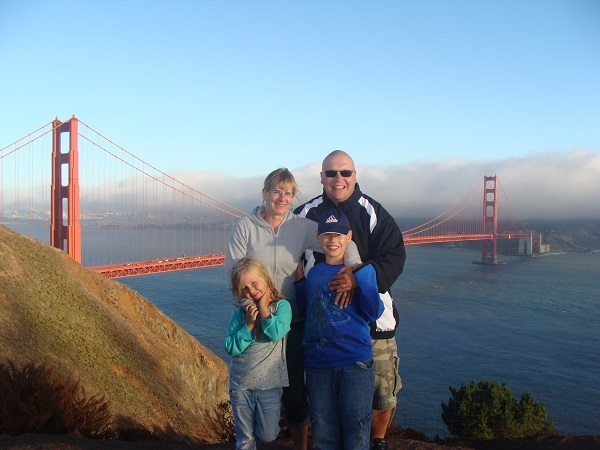Unsere Familie vor der Golden Gate Bridge in San Francisco