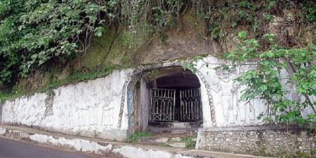 Jelajahi  Lubang Jepang Objek Wisata Sejarah Kota Bukittinggi