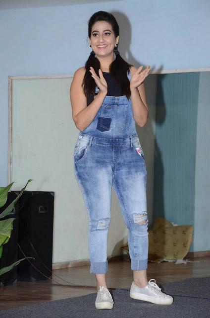 Actress Manjusha At Movie Success Meet Stills Navel Queens
