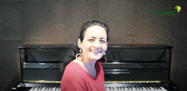 Pianista Raisa Richter fala sobre a trajetória artística e a preparação do primeiro álbum autoral