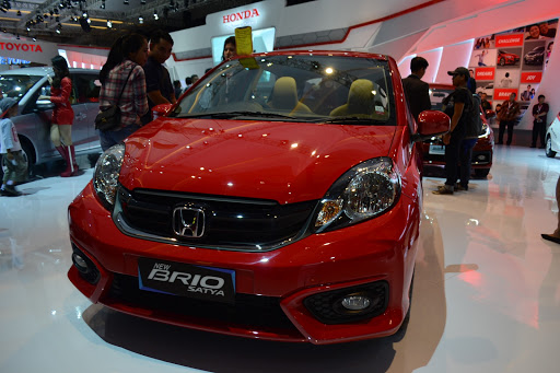 review honda brio facelift