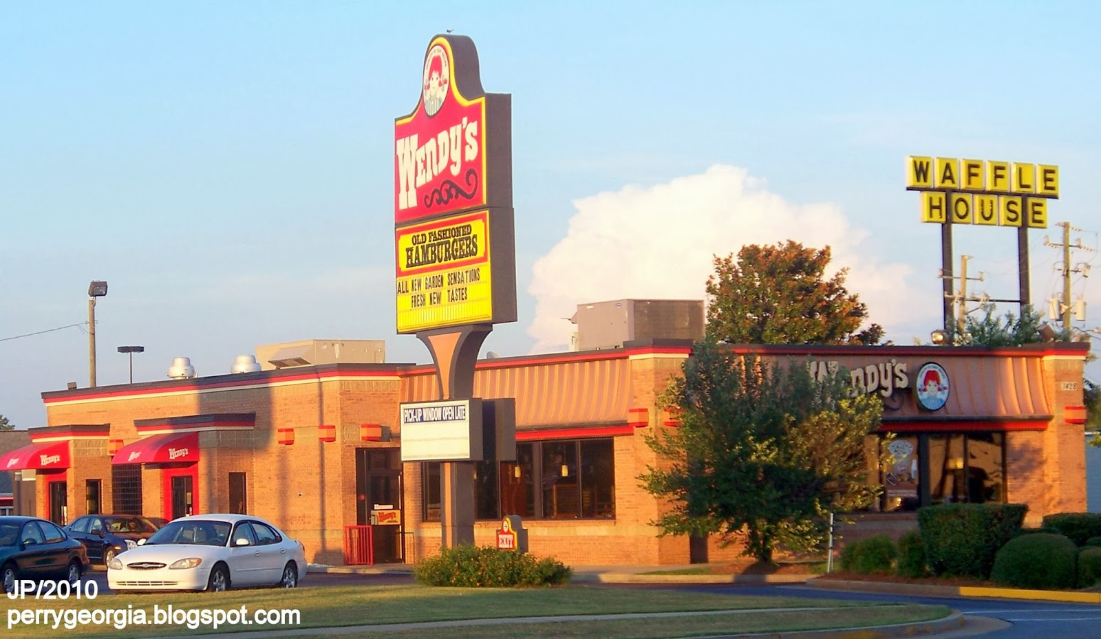 Wendy S Perry Georgia I 75 Exit Sam Nunn Blvd Hamburgers Fast Food Restaurant Houston County Ga Burgers