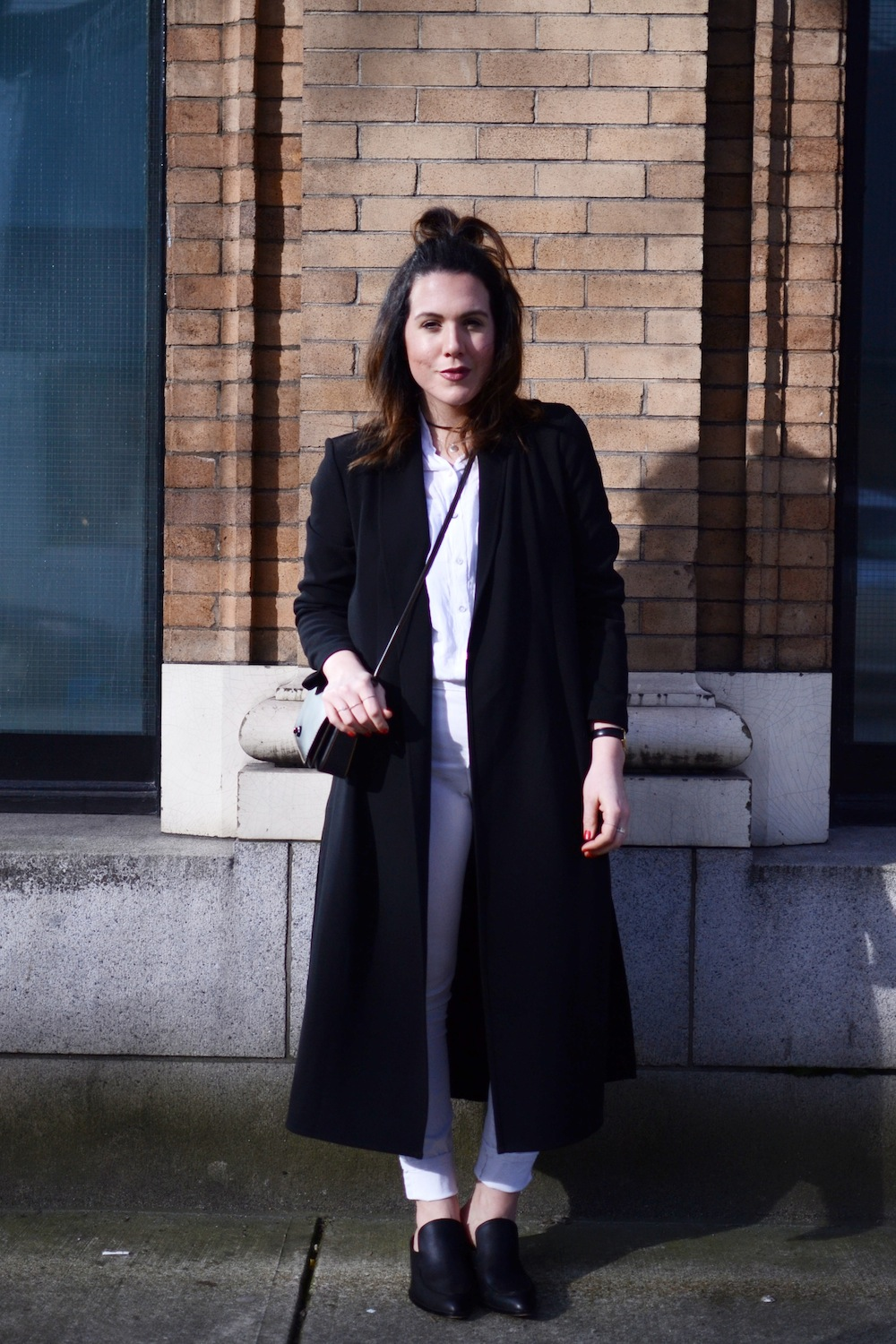 Le Chateau duster trench outfit black and white vancouver fashion blogger NYDJ jeans