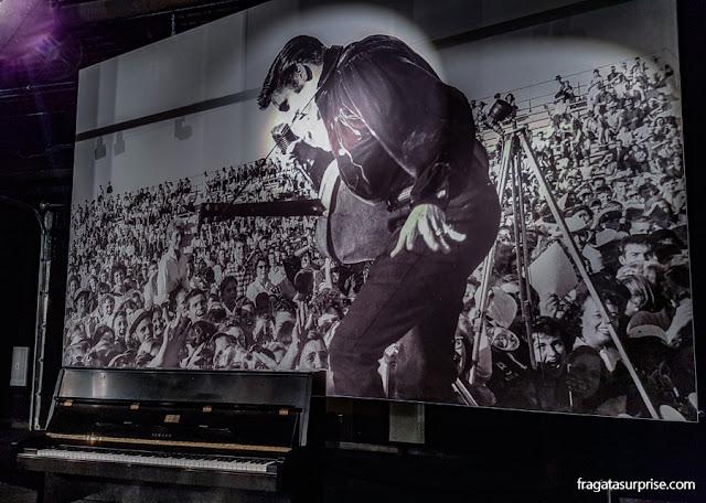 Piano de Elvis Presley exposto em Graceland, Memphis