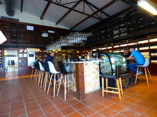 Tisbi winery - beautiful scene oflive music and awesome vibes