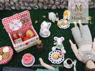 """minilys miniatures"" ""pets"" ""amigurumi"" 1:12"