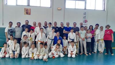 http://judotsukuri.wixsite.com/fotosjudotsukuri1/entrenamiento-dia-del-padre