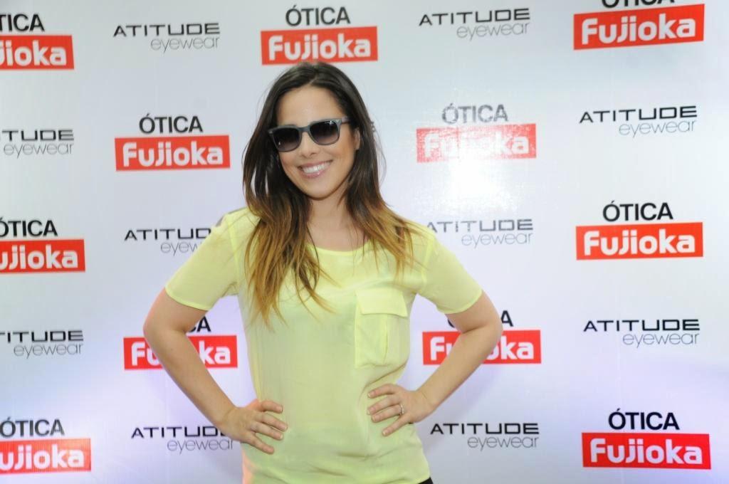 3535fcbc5d5d5 Fujioka entrega fotos tiradas com a cantora Wanessa em Uberlândia ...