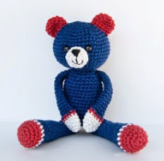 http://translate.google.es/translate?hl=es&sl=en&tl=es&u=http%3A%2F%2Fwww.itsybitsyspidercrochet.com%2F2013%2F07%2Fcute-cotton-kitty-to-cotton-bear.html