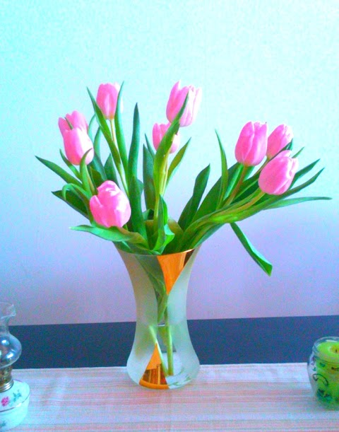 Tips To Make Your Flowers Live Longer