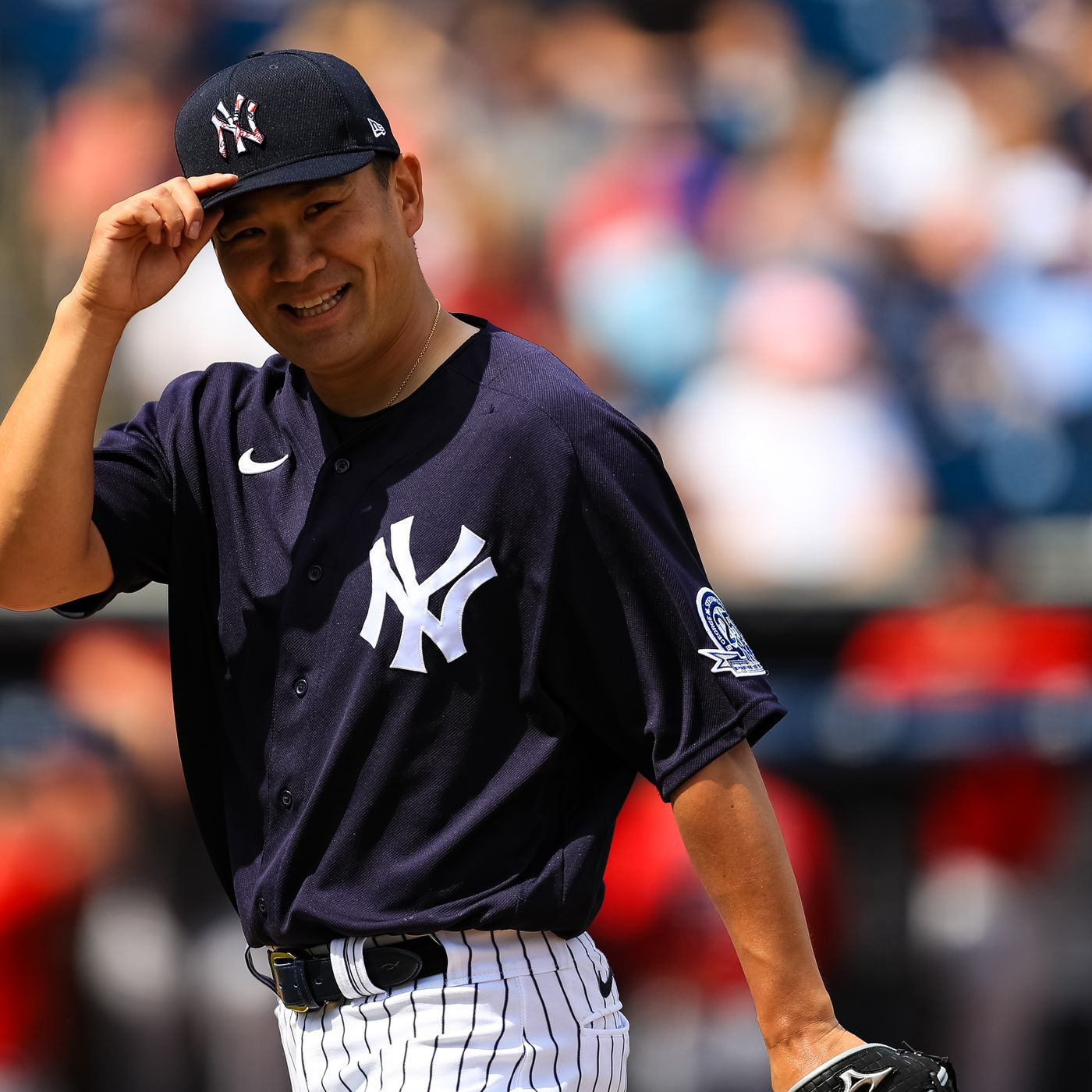 Tanaka returning to Japan after seven seasons with Yankees
