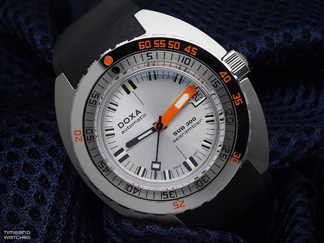 DOXA SUB 300 COSC Searambler