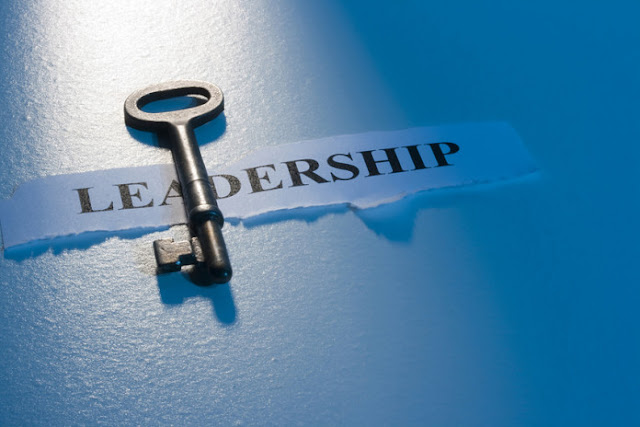 How To Be a Good Leader: Characteristics, Skills & Examples