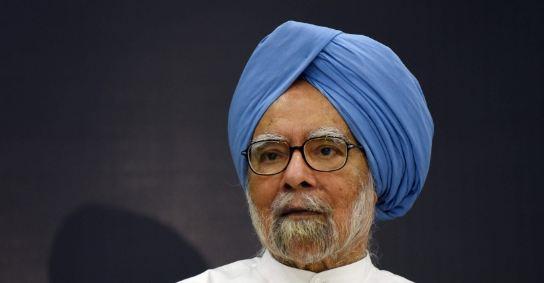 गिरती अर्थव्यवस्था पर मनमोहन सिंह ने उठाए सवाल... - newsonfloor.com