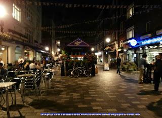 Zona de terrazas al aire libre de la calle Marylebone High Street.