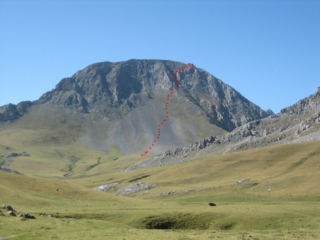 Rutas Montaña Asturias: Vista de la Canal La Fana de Peña Ubiña