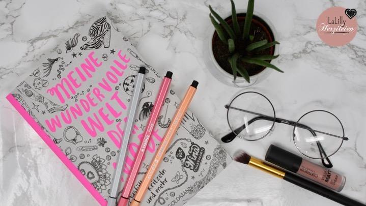 Meine wundervolle Welt der Mode von Nina Chakrabarti ist ein Buch zum Ausmalen, Weitermalen und Kritzeln. Da der Klappentext anderes vermuten lässt, als das Buch liefert, fällt meine Rezension leider weniger glücklich aus als selbiger.