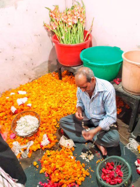 flower market, shiv chowk, muzaffarnagar, marigold