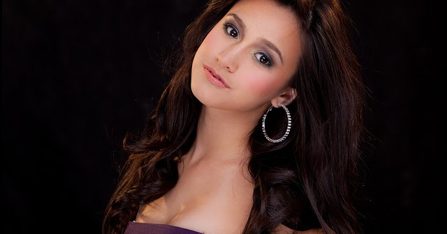 Pinay Celebrity Scandal: Lexi Fernandez Pictures