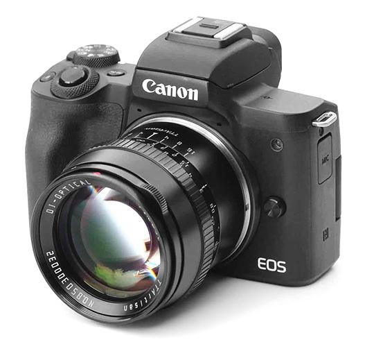 Объектив TTartisan 50mm f/1.2 с фотоаппаратом Canon
