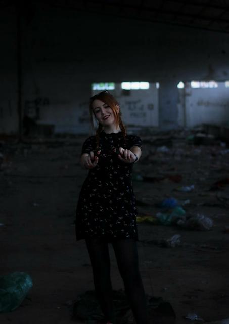 haljina, djevojka, kul, cool, zift zabok, pletenice, ginger, napušteno mjesto