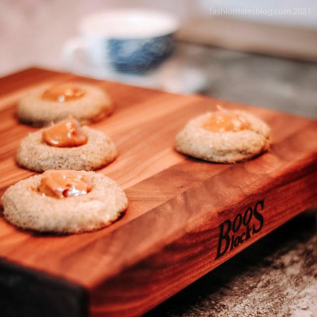 Cookies on cutting board
