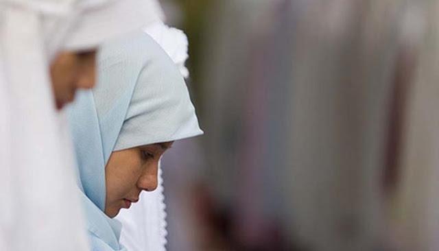 Waktu yang Afdol Bagi Wanita Shalat Dzuhur di Hari Jum'at