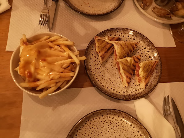 #Places - Xiripitti Adega Caffé | Batatas fritas
