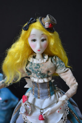 Alice in wonderland by Cathy Vagnon- art dolls