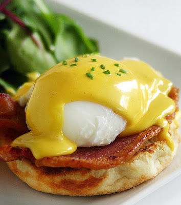 slow cooker eggs Benedict
