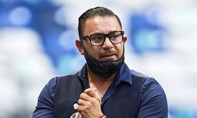 ¿Mohamed cerca entrenador Chivas?