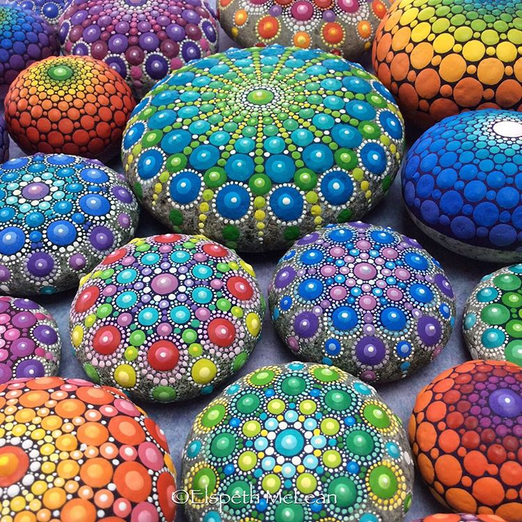 15-Multiple-Elspeth-McLean-Dotillism-Paintings-Mandala-on-Stones-Canvas-and-Clothes-www-designstack-co