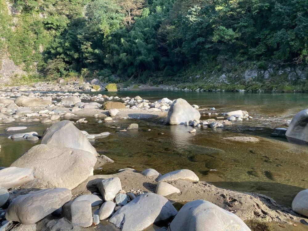 ひするまキャンプ場、川のせせらぎ