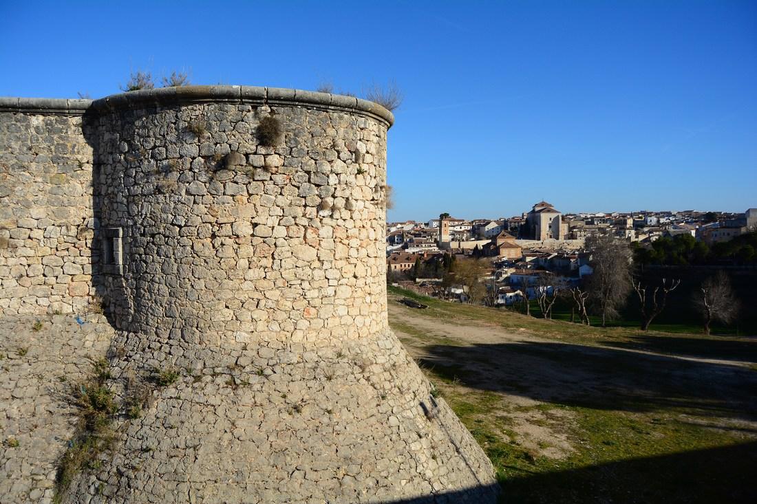 Castillo de los Condes, avec vue en arrière-plan sur Chinchon.