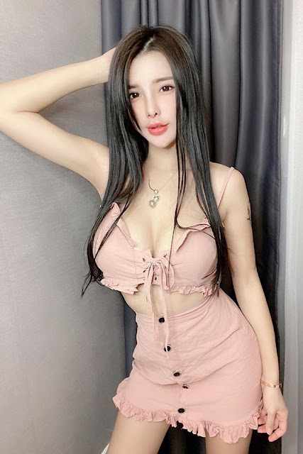 Hot and sexy big boobs photos of beautiful busty asian hottie chick Chinese booty model Sabee photo highlights on Pinays Finest sexy nude photo collection site.