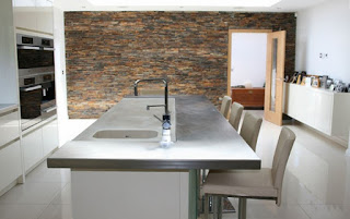Made of Metal: Kitchen islands with breakfast bars