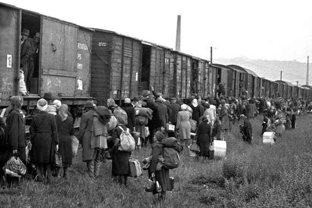 Long march kematian kamp konsentrasi