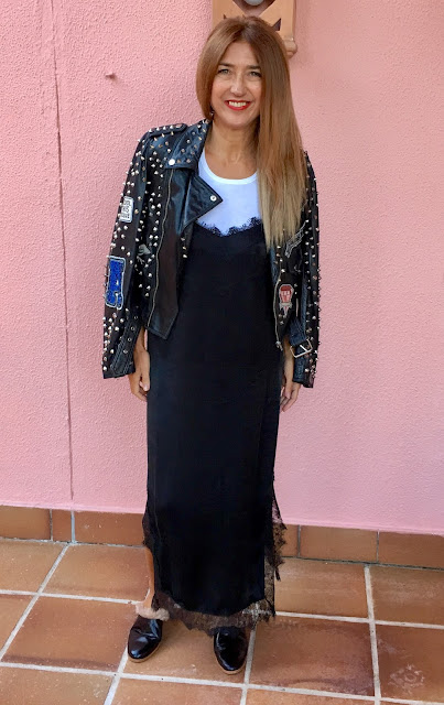 Look con biker, zara, streetstyle, dress, shoes, rock&roll, Carmen Hummer style, fashion blogger
