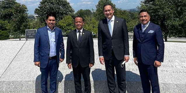 Plesiran Dua Menteri Indikasi Presiden Jokowi Masih Dikelilingi Brutus