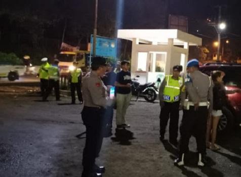 Antipasi Mobilisasi Massa Ke Jakarta Jelang Pelantikan Presiden, Polres Sukabumi Lakukan Penyekatan