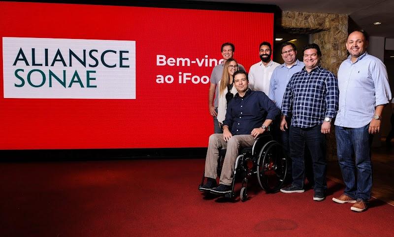 Aliansce Sonae e iFood anunciam parceria para melhorar jornada de consumo dos clientes