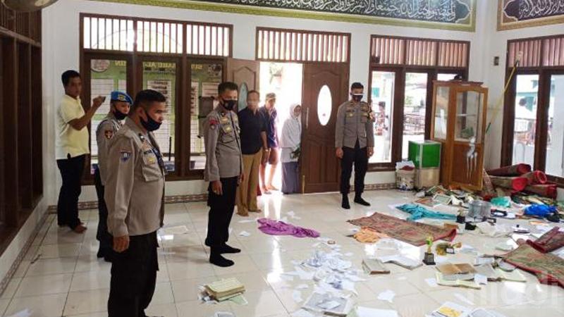 40 Al-Qur'an Dirusak dan Diacak-Acak di Musholla Padang Pariaman