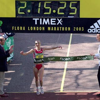 Paula Radcliffe. 2:15:25. Londres  13  abril 2003